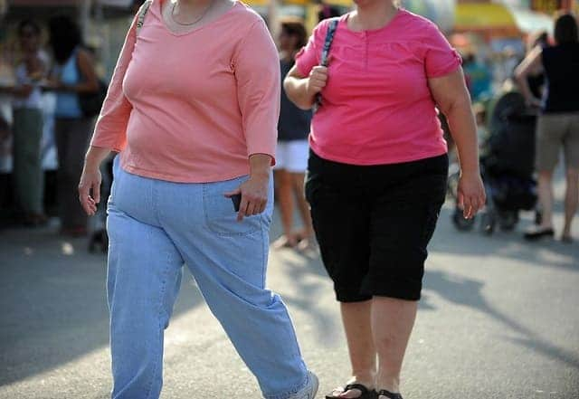 Best-Walking-Shoe-for-Overweight-Women