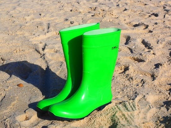 stretch rubber boots